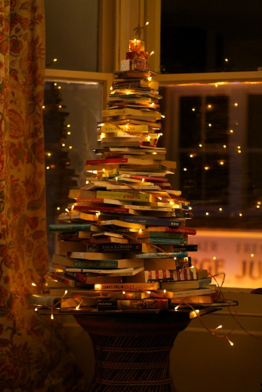 sarah-weals-book-christmas-tree-003